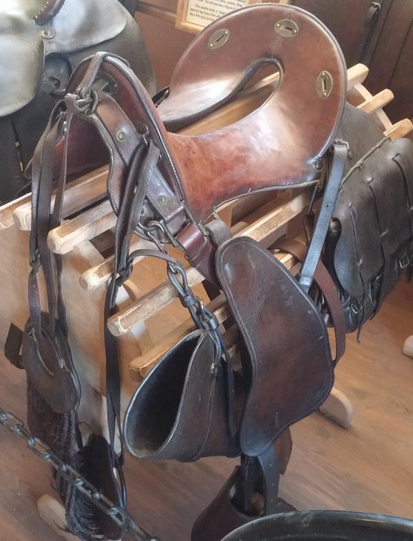 putolunes.es | silla de cowboy con alforjas,